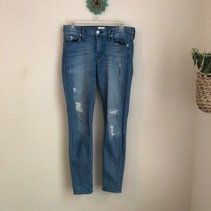 Hudson • Mid Rise Super skinny distressed jeans